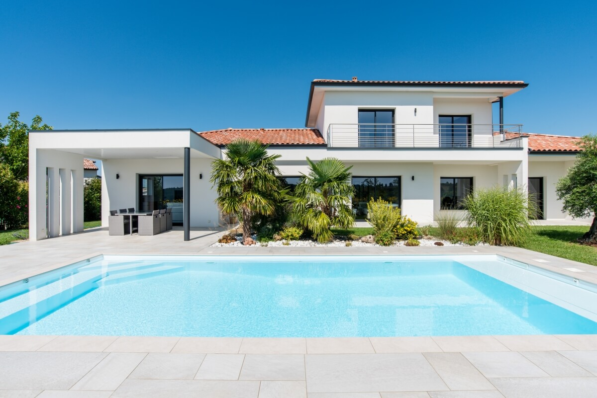 Maison contemporaine - piscine extérieur