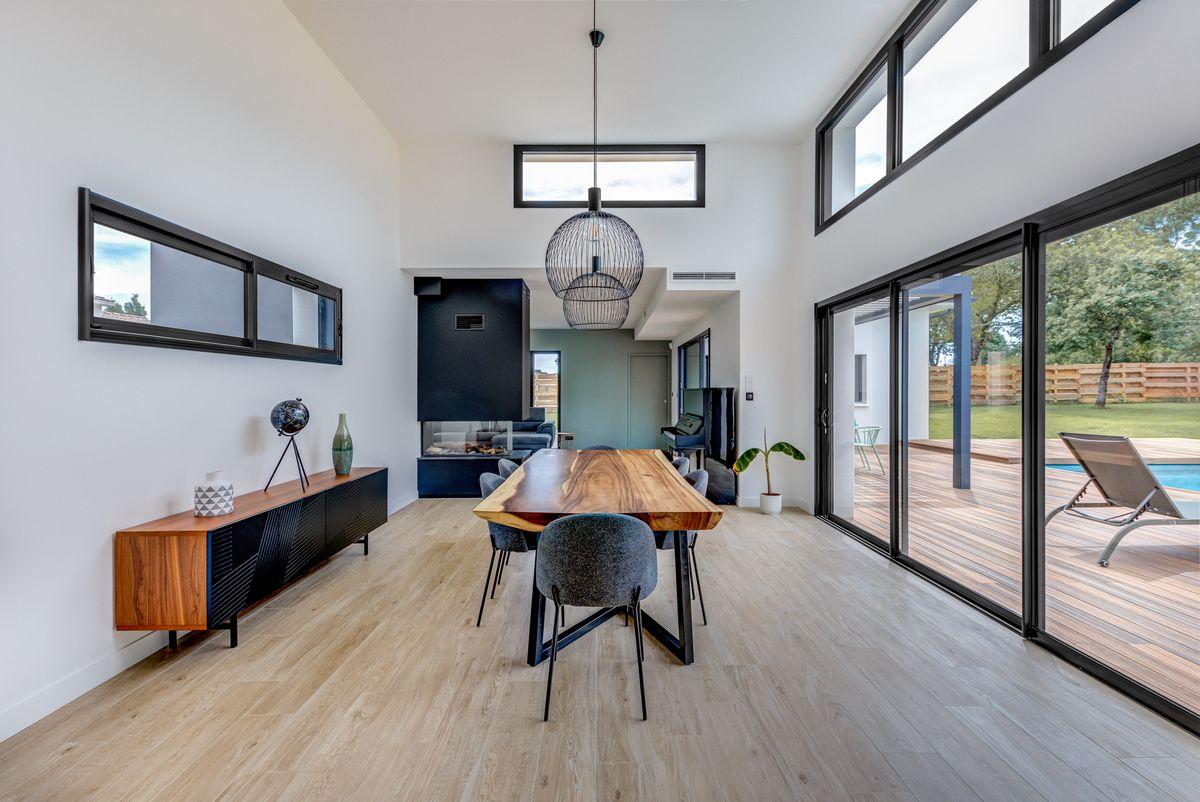 Maison individuelle toulouse - contemporaine - baies vitrée - séjour déco - grand hauteur sous plafond