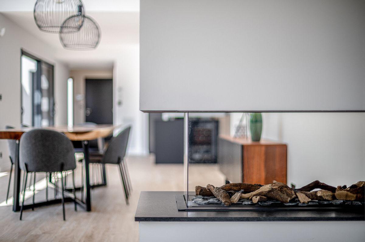 Maison individuelle toulouse - contemporaine - cheminée - déco