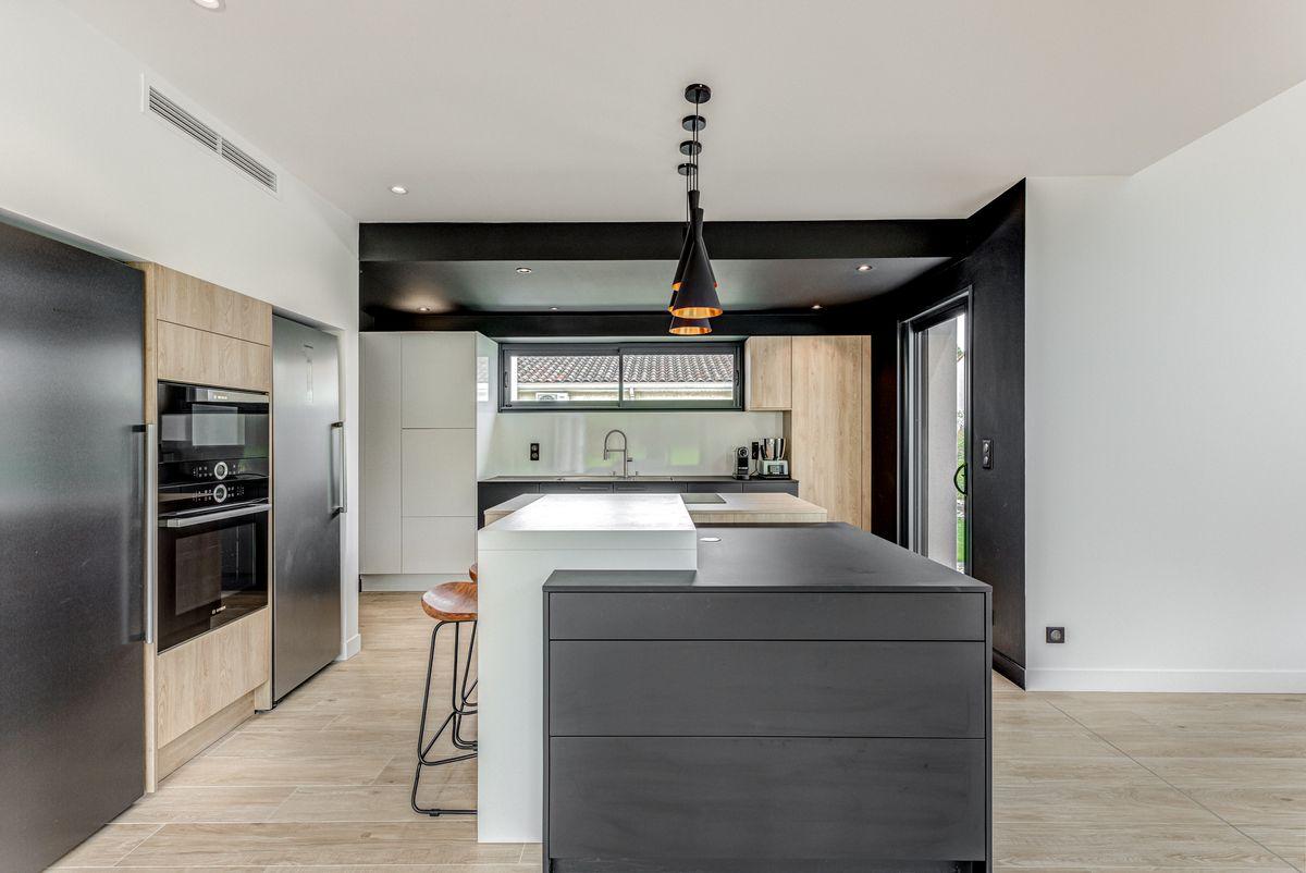 Maison individuelle toulouse - contemporaine - cuisine ouverte - ilôt central -